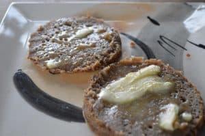 Crumpets con manteca