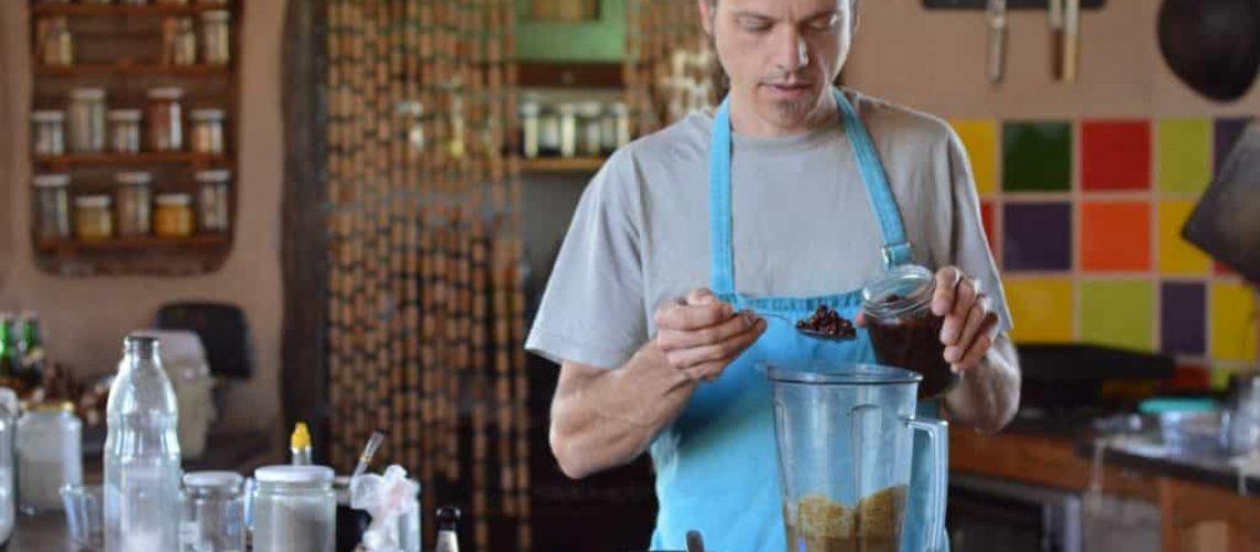 Alex preparando muffins